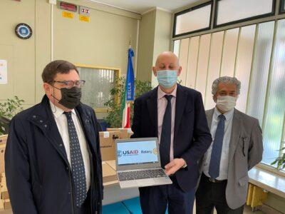 Il Distretto Rotary 2031 ha donato alla scuola 12 chromebook